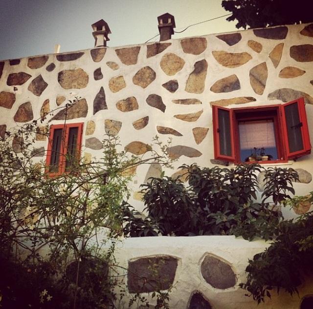 Bodrum Evleri ve Küçük Pencereleri